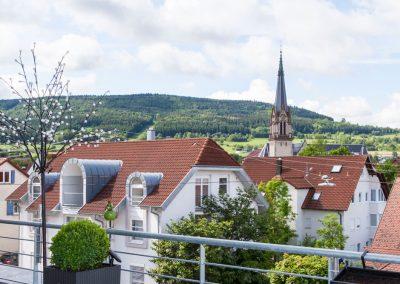 Mehrfamilienhaus in der Hindenburgstraße in Spaichingen, Blick vom Balkon des Penthouse. Von Winker Bauträger, Ihrem kompetenten Baubüro in Spaichingen