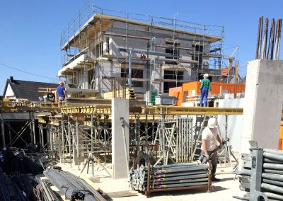 Haus 1 aufgerichtet, Bauprojekt Winker Efinger in Spaichingen Hofen